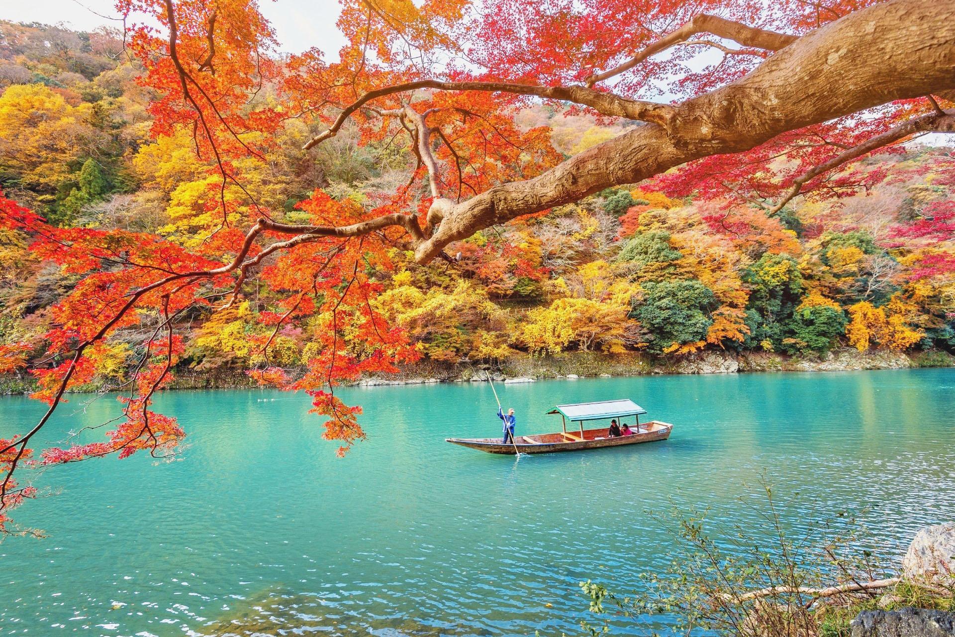 秋の嵐山の風景 京都の風景