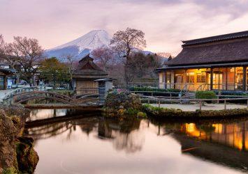 忍野八海の風景 忍野八海と富士山 山梨の風景