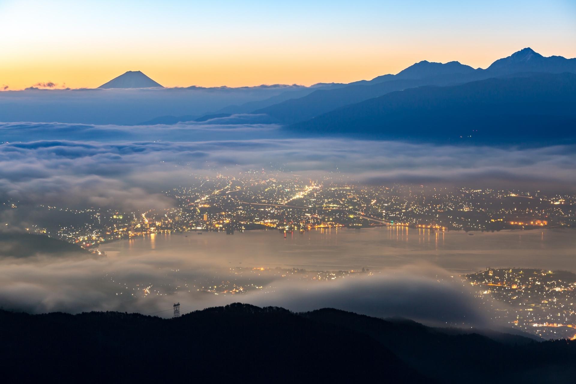 高ボッチから見る富士山と諏訪湖の風景 長野の風景