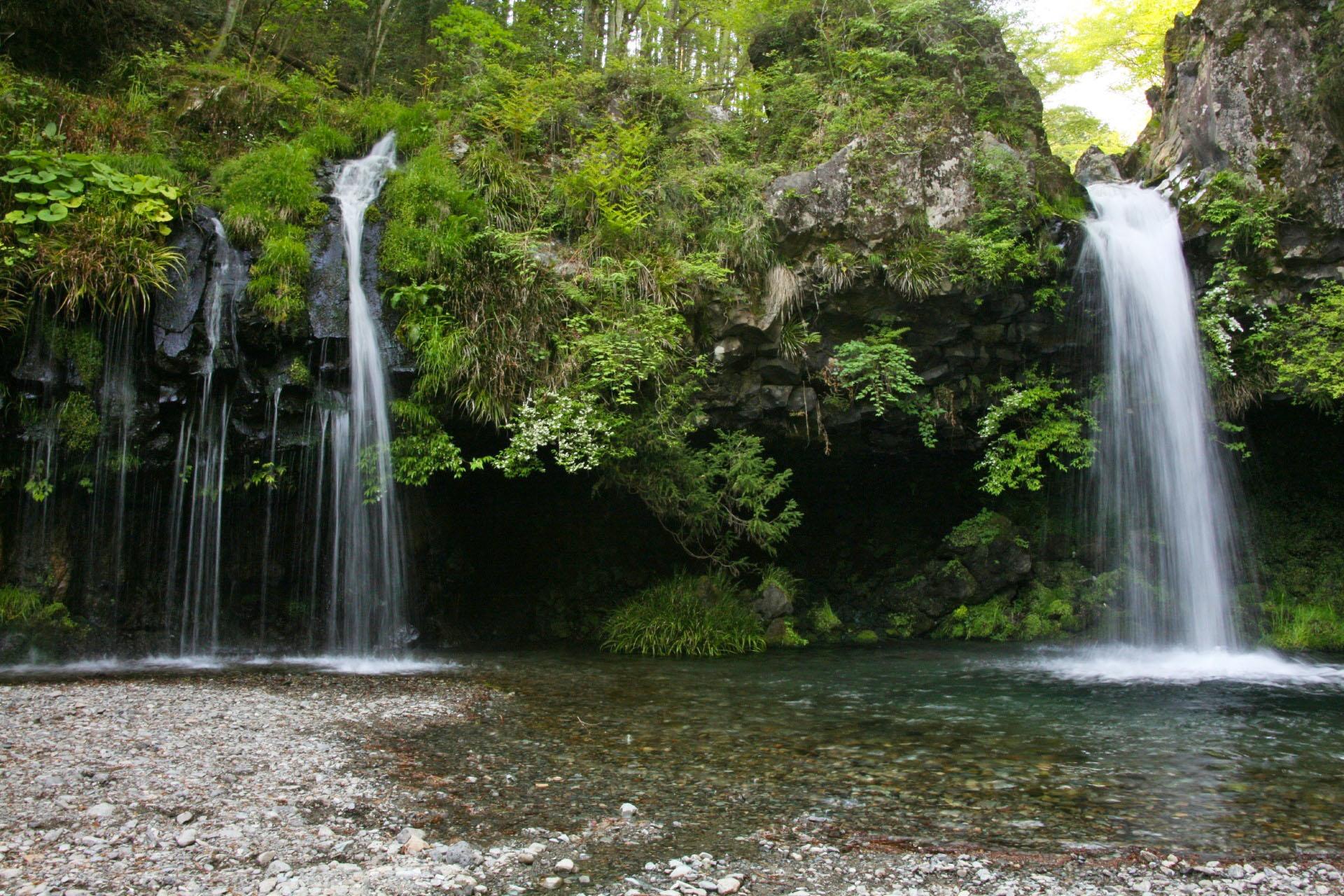 陣馬の滝 静岡の風景