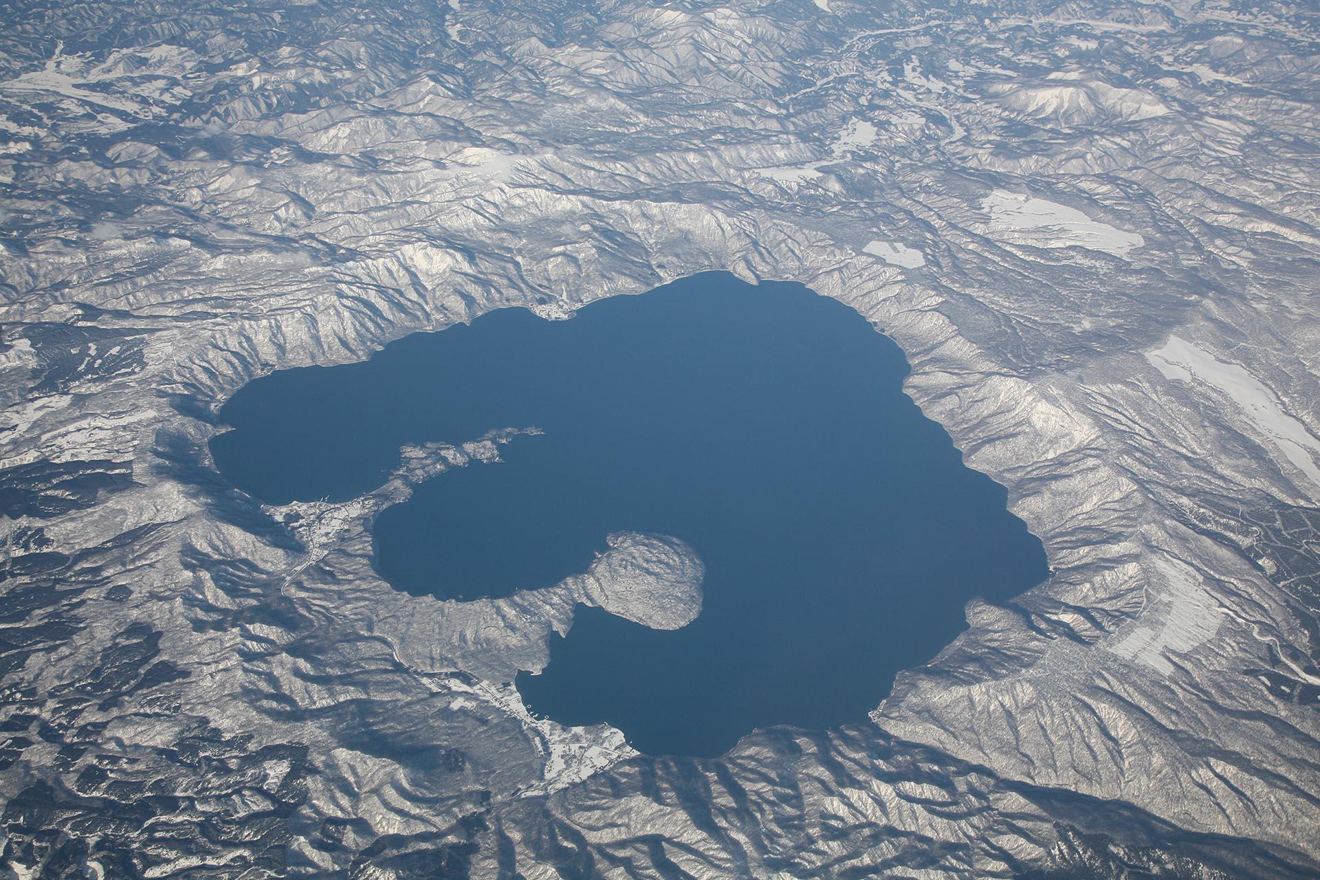 空から見た十和田湖 空から見た日本