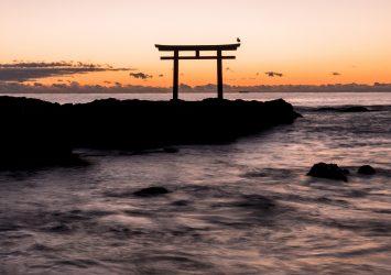 大洗磯前神社の鳥居と太平洋 茨城の風景