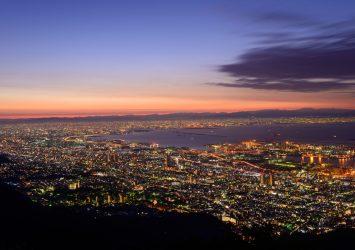 摩耶山 掬星台から見る神戸と大阪の町並み