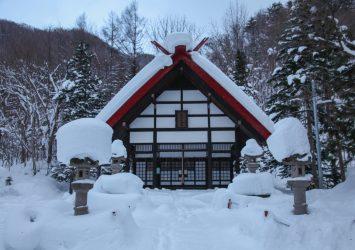 雪の中の定山渓神社 北海道の冬の風景