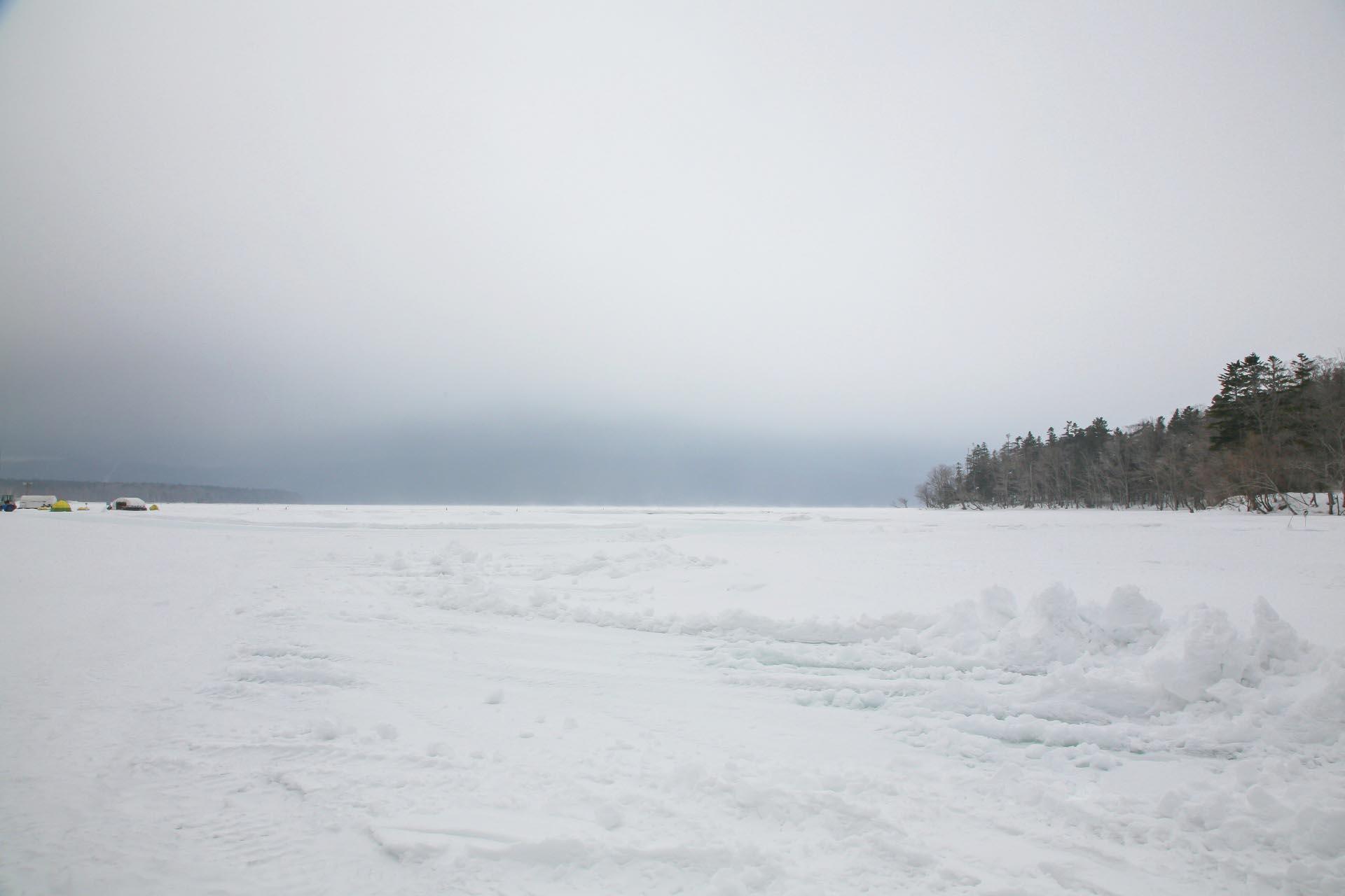北海道の冬の風景 三月の阿寒湖