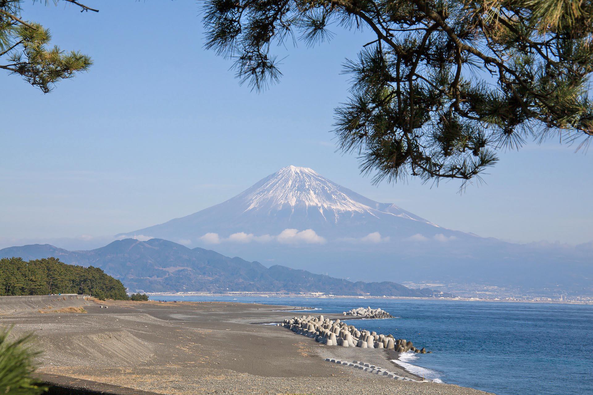 富士山と三保の松原 静岡の風景