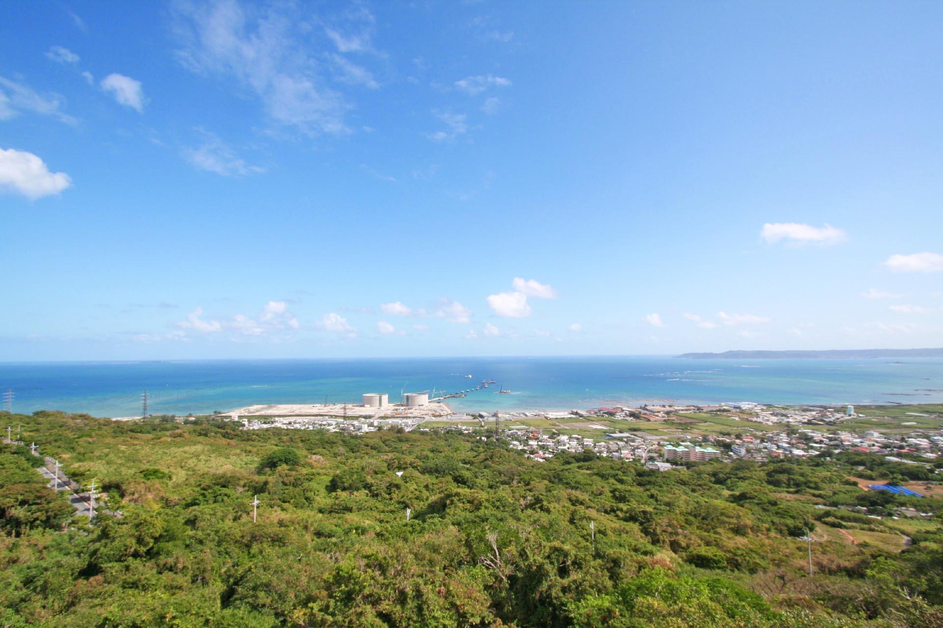 中城城跡から見る風景 沖縄の風景
