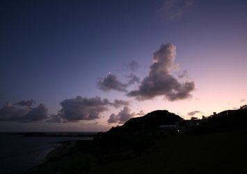 宜野湾の夕暮れ 沖縄の風景