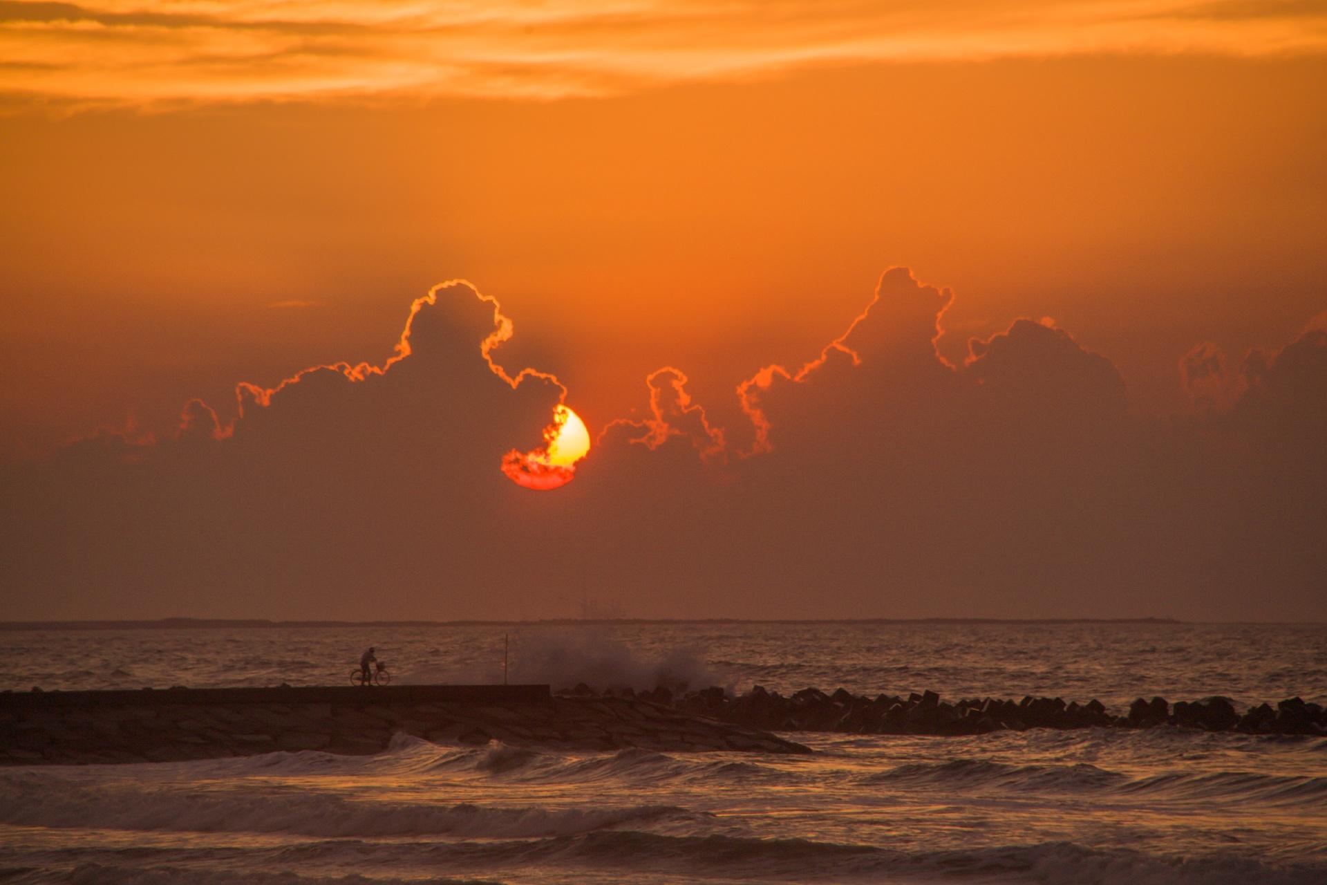 九十九里浜の日の出 千葉の風景