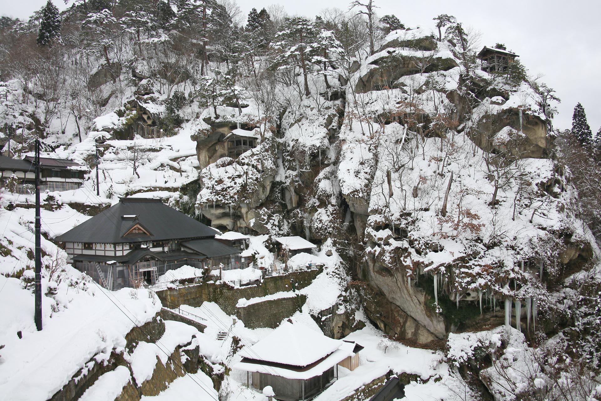 冬の山寺 立石寺 山形の風景