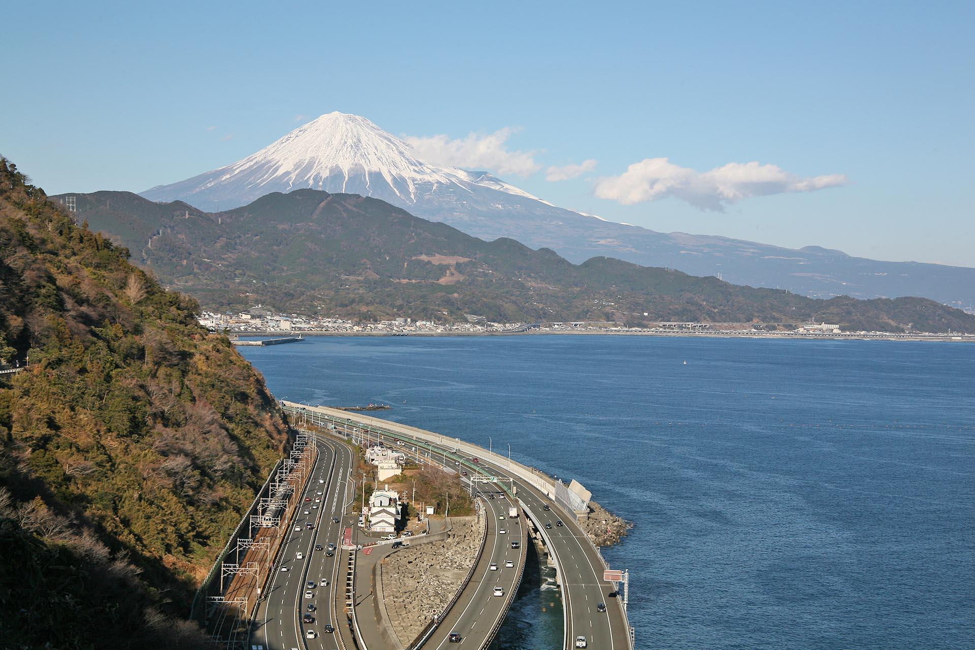 薩埵峠から見る富士山 静岡の風景