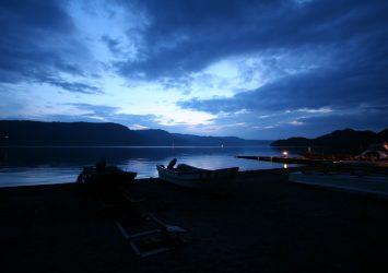 夕暮れ時の十和田湖の風景 青森の風景