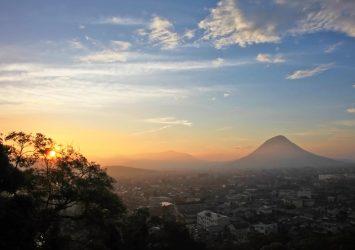 丸亀城から見る日の出の風景 香川の風景