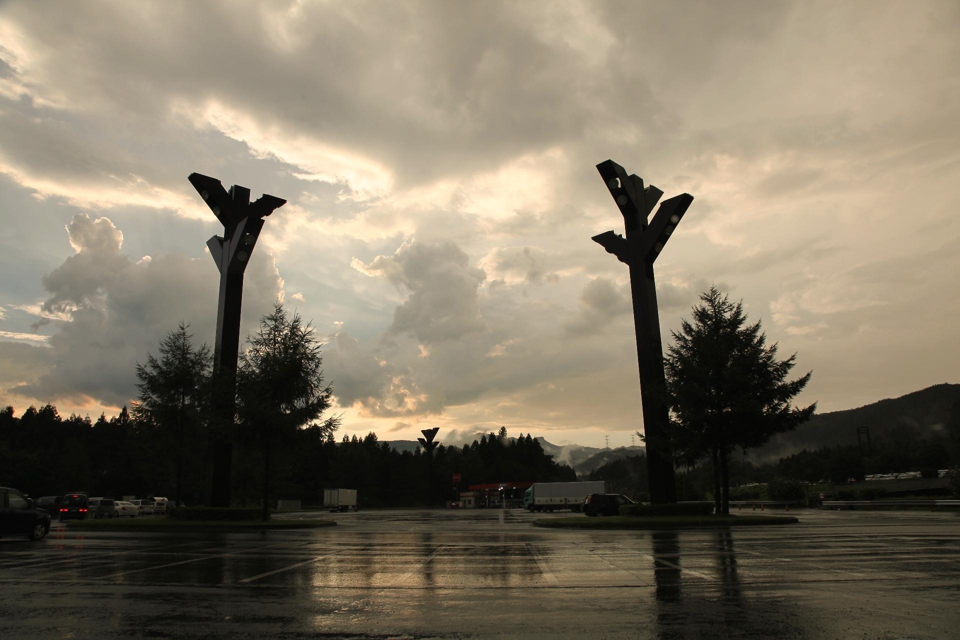 雨上がりの横川SA 群馬の風景