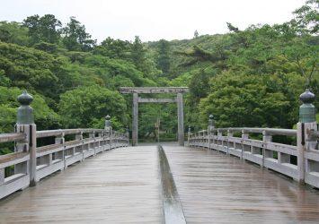 夏の朝の伊勢神宮 三重の風景