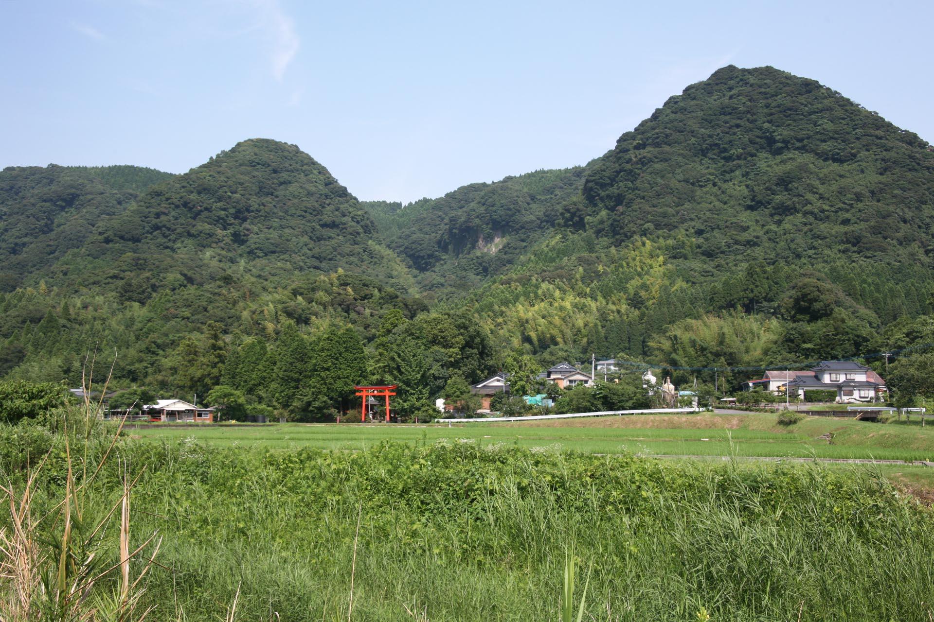 夏の霧島 鳥居のある風景 鹿児島の風景