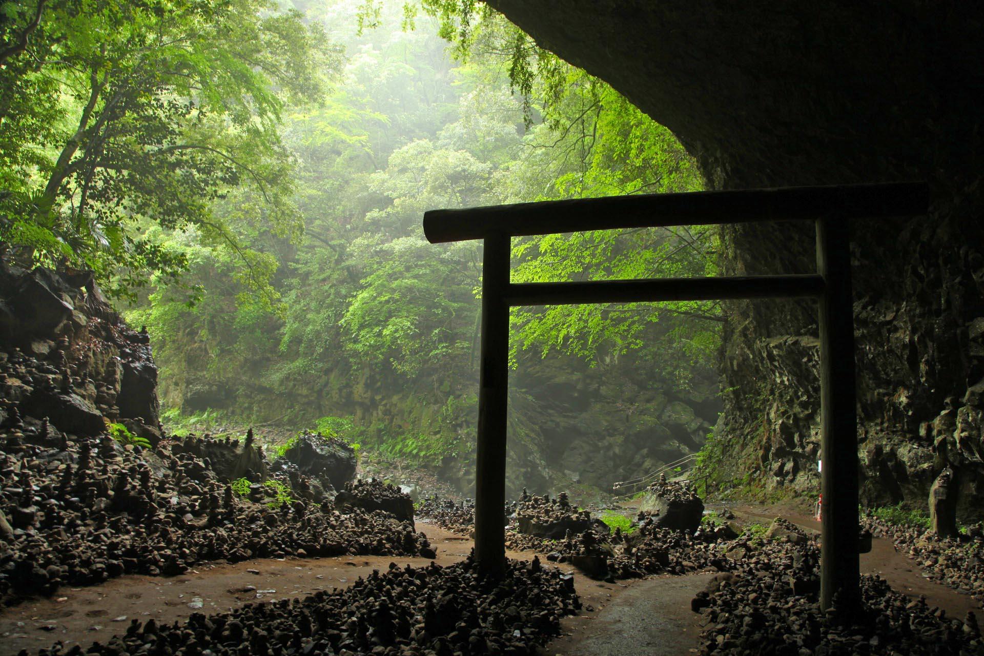天安河原 高千穂 宮崎の風景