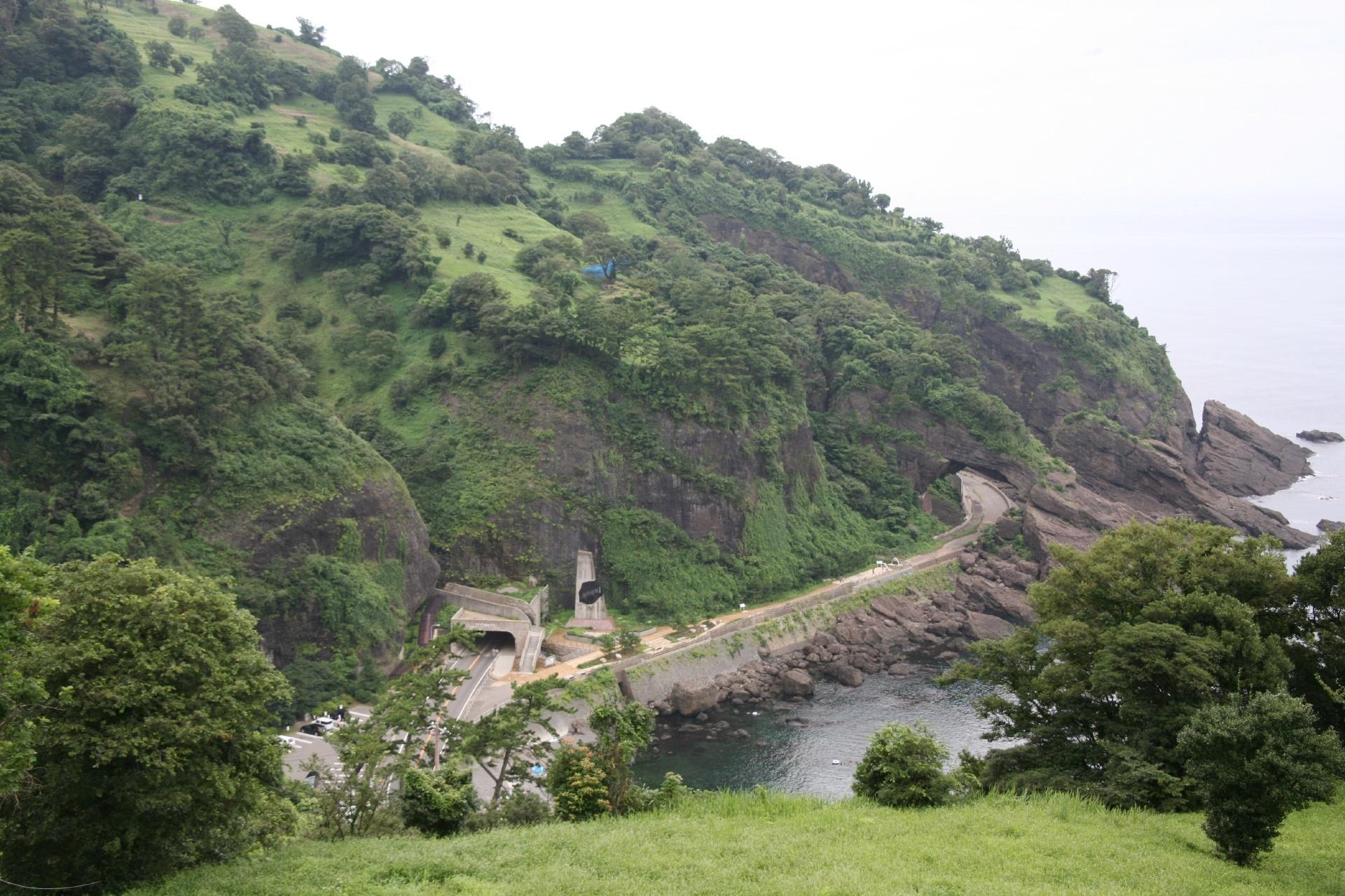 越前海岸「呼鳥門」と日本海 福井の風景