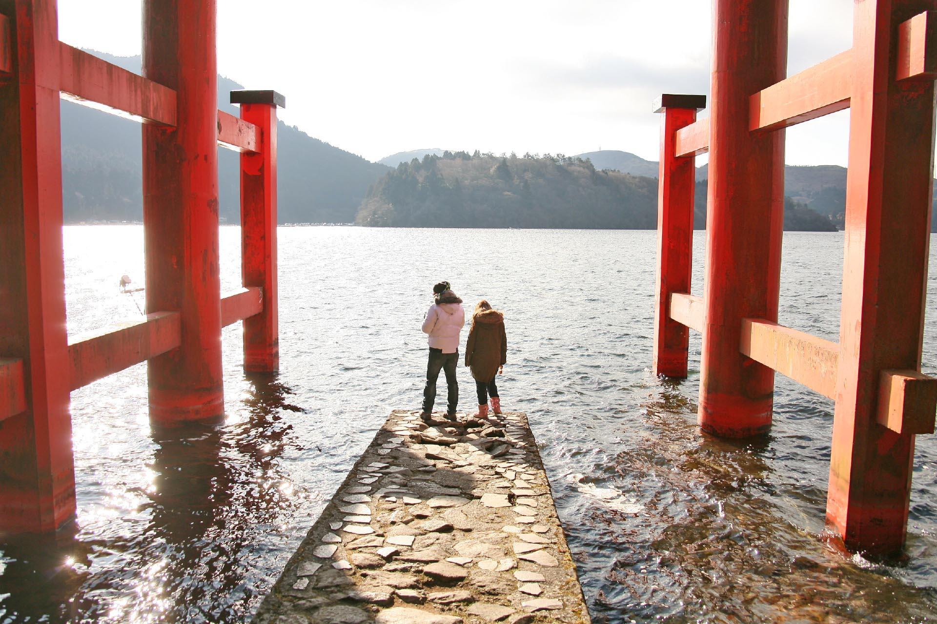 箱根神社 平和の鳥居と芦ノ湖 神奈川の風景