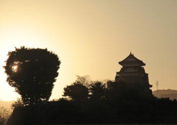 夕暮れの大洲城 愛媛の風景
