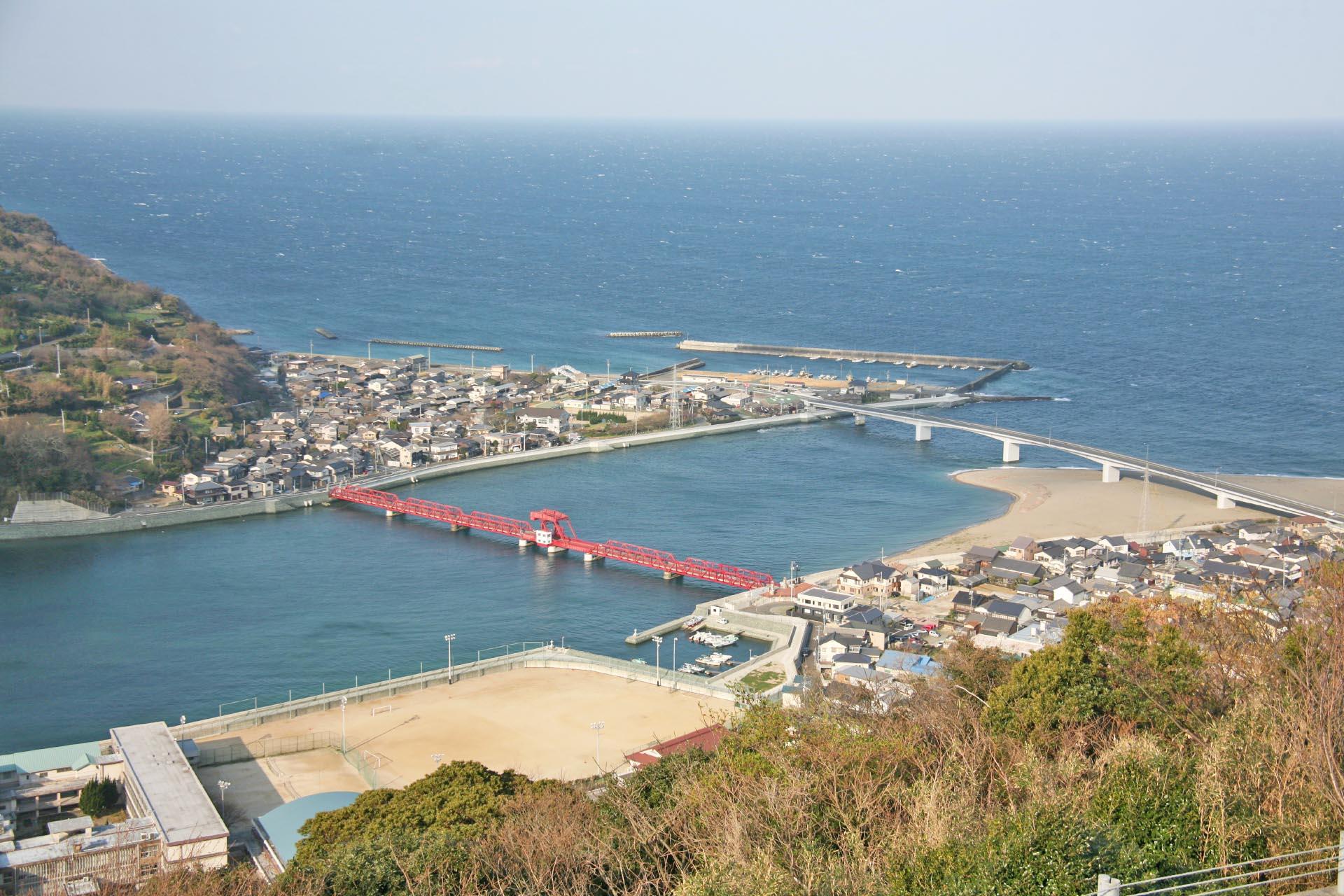長浜大橋と肱川河口と伊予灘 愛媛の風景