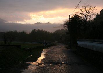 雨上がりの夕暮れ 鹿児島の風景