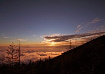 夕暮れの富士山五合目の風景 静岡の風景