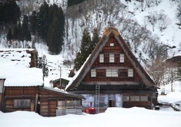 冬の五箇山の風景 富山の風景