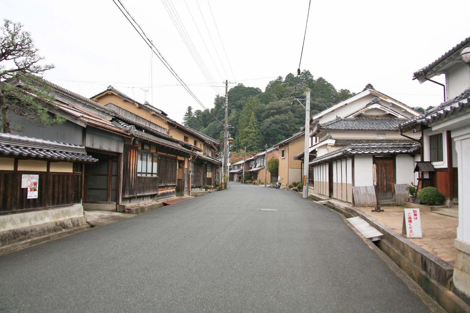 日本の伝統的な町並み「ちりめん街道 加悦重要伝統的建造物群保存地区」 京都の風景