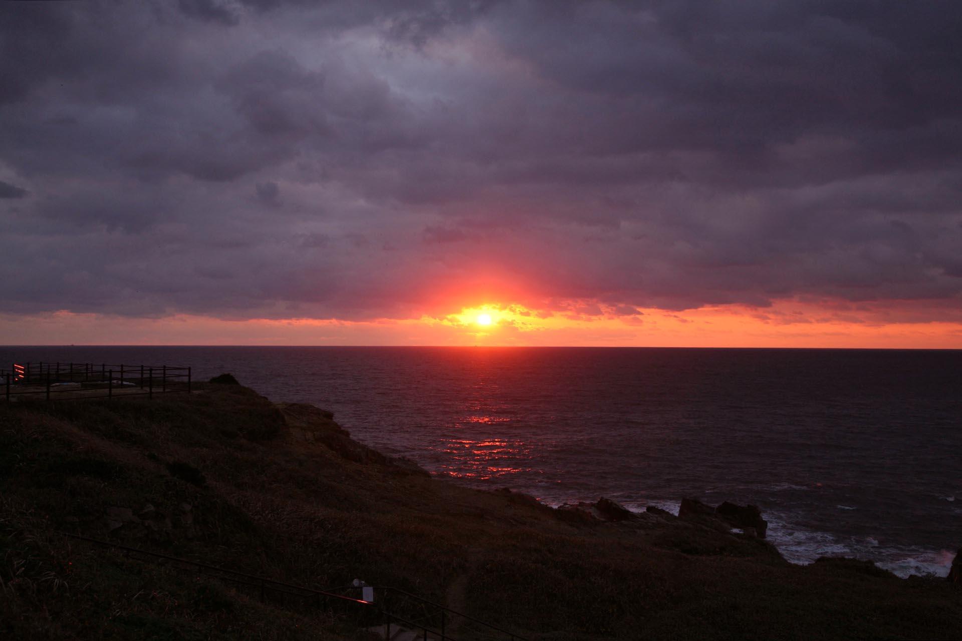 犬吠埼の冬の朝日 千葉の風景