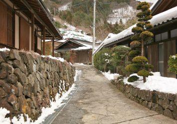 日本の伝統的な家並み  赤沢宿の風景 山梨の風景