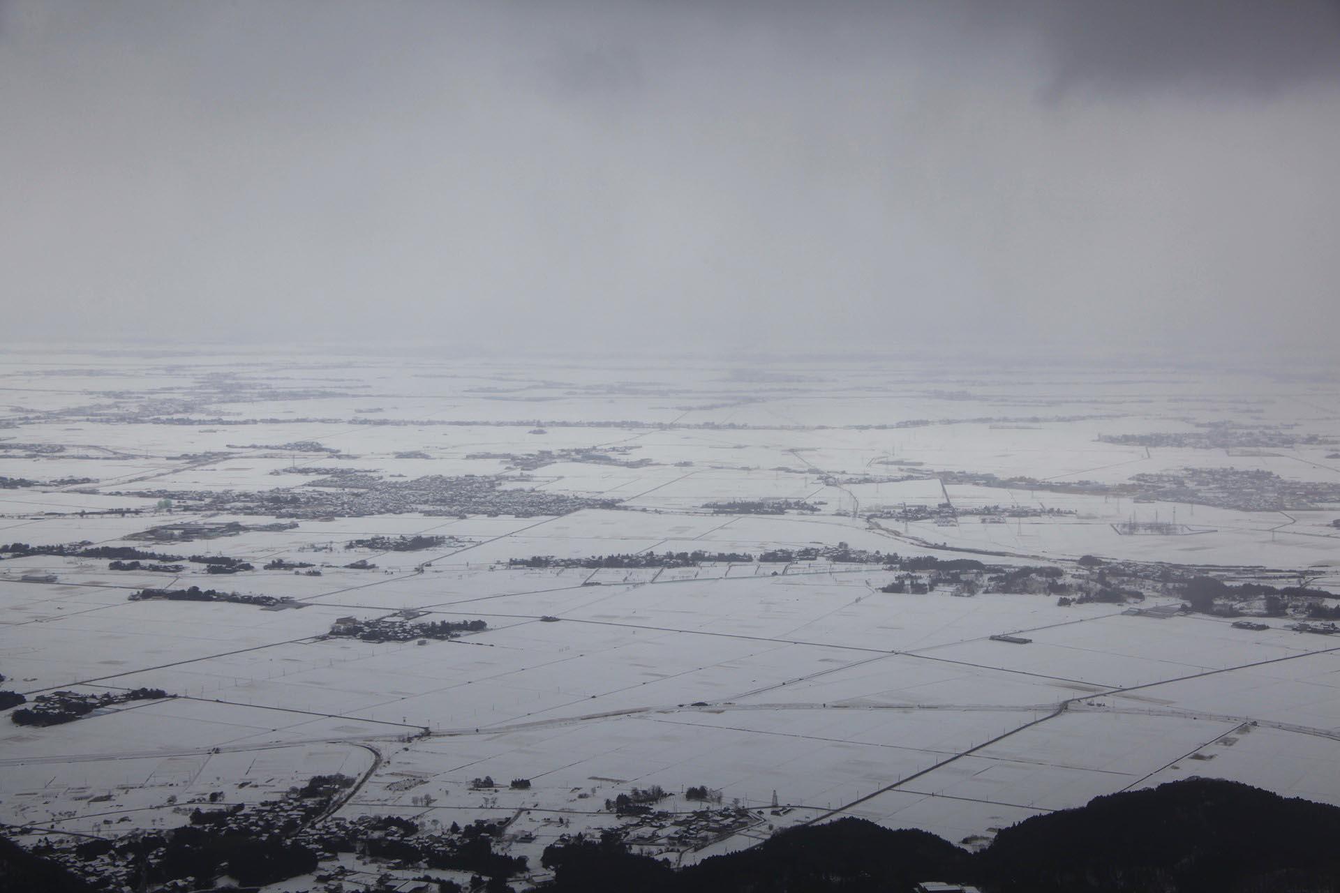 冬の弥彦山から見る風景 新潟の風景