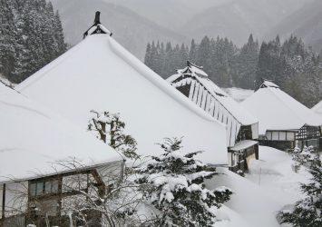 冬の青鬼集落 長野の風景