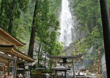 那智滝と飛瀧神社 和歌山の風景