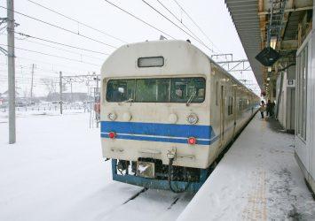 駅のある風景 雪の直江津駅 新潟の冬の風景