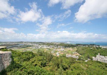 勝連城跡からの絶景 沖縄の風景
