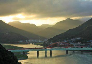 新宮城から見る夕暮れの風景 和歌山の風景