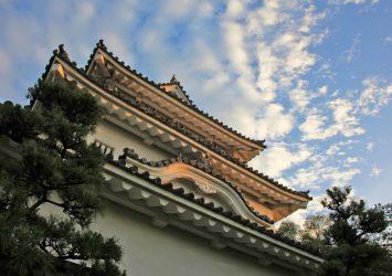 夏の朝の丸亀城 香川の風景