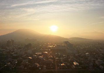 夏の朝 丸亀城から見る風景 香川の風景
