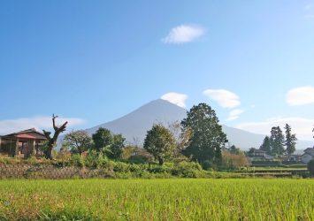 10月初旬の富士山 静岡の風景